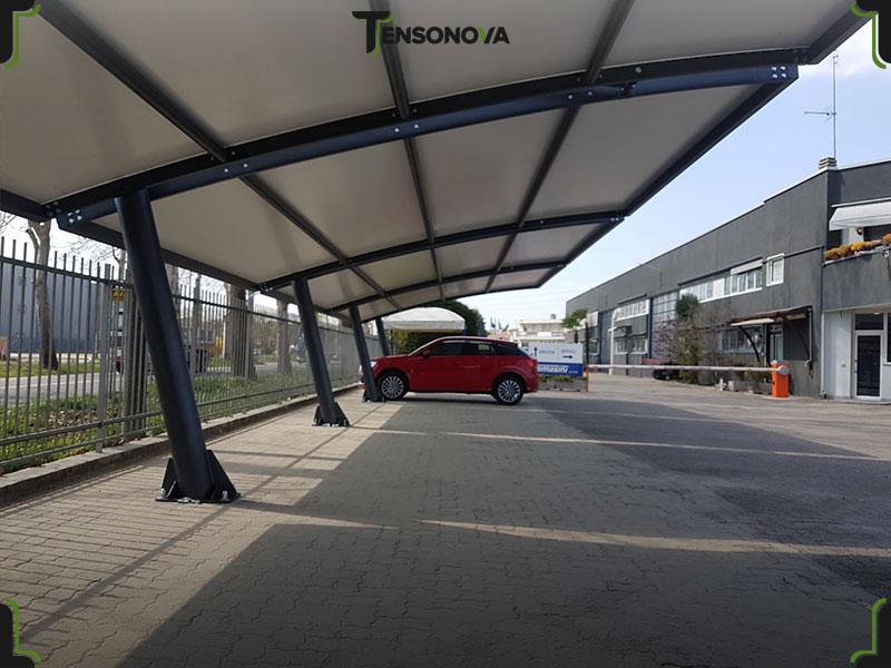 coperture in ferro per file parcheggi auto
